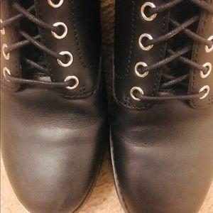 MK teddy boots